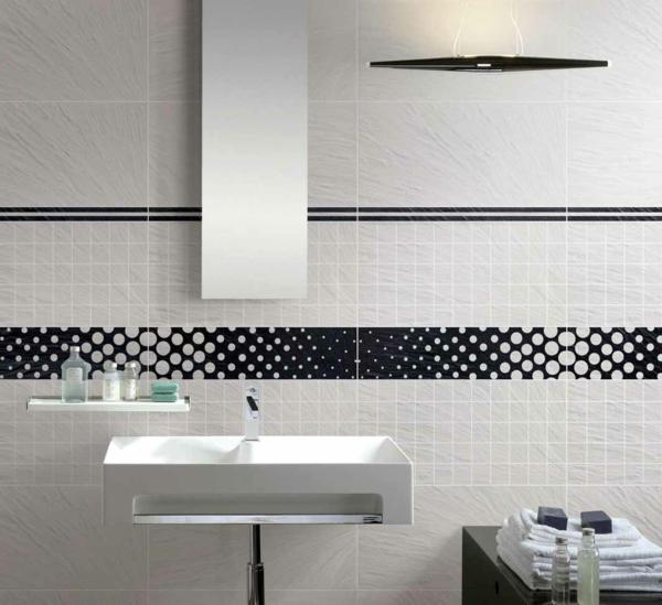Le carrelage mural de salle de bain for Carrelage noir mural