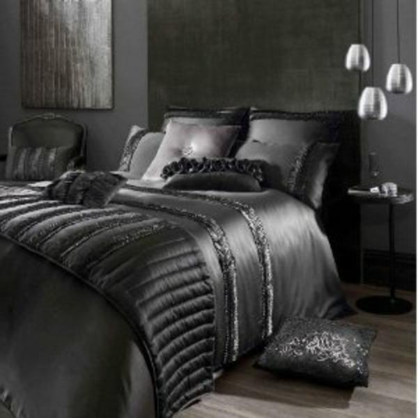 couvre lit noir satin La parure de lit satin   luxe et confort   Archzine.fr couvre lit noir satin