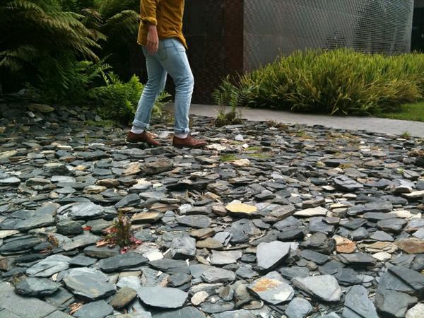paillage-ardoise-pierres-plates