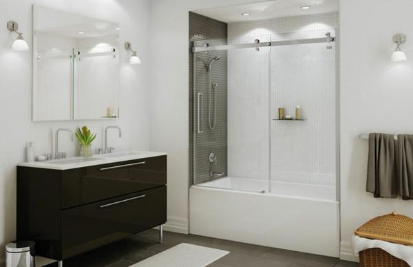 Le pare baignoire coulissant se soigne de votre confort dans la salle de bains Baignoire acrylique salle bains