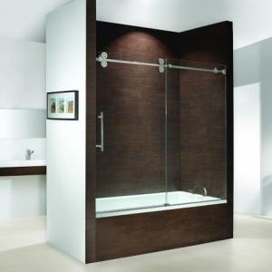 Le pare baignoire coulissant se soigne de votre confort dans la salle de bains