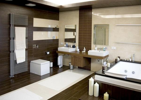 parquet-stratifié-dans-la-salle-de-bains-grandes-bougies-grande-baignoire-rectangulaire