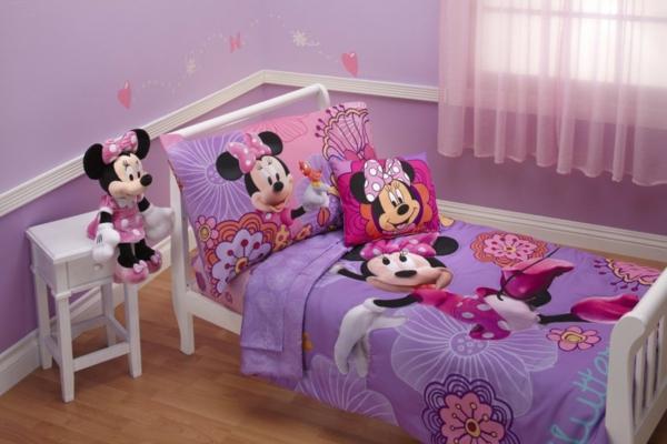 parure-de-lit-mickey-dasn-une-chambre-rose