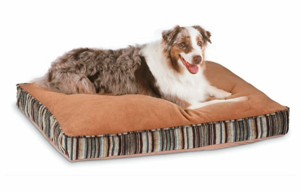 petmate-microban-pet-bed-deluxe-pillow-bed-with-microban-resized