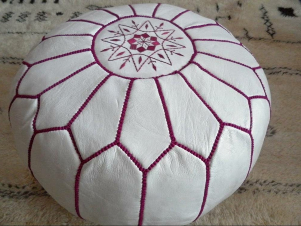 pouf-marocain-design-rond-en-rose-et-blanc