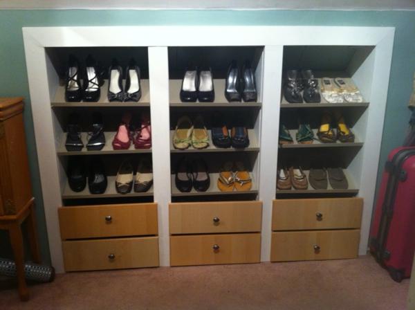 range-chaussures-mural-casiers-encastrés