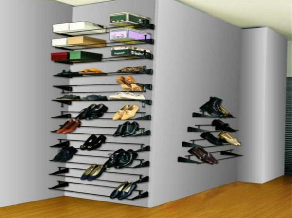 range-chaussures-mural-comme-déco-entrée