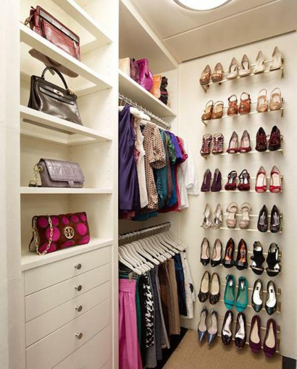le range chaussures mural designs modernes. Black Bedroom Furniture Sets. Home Design Ideas