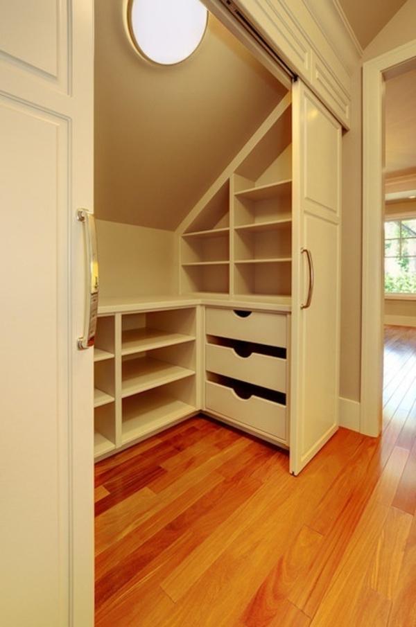 rangement sous pente alinea id e inspirante pour la conception de la maison. Black Bedroom Furniture Sets. Home Design Ideas