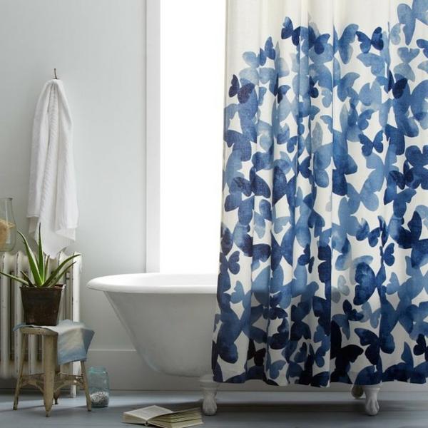 Un rideau de douche original transforme votre salle de for Rideau de douche moderne