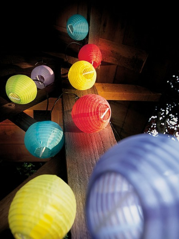 ronde-lampe-papier-jardin