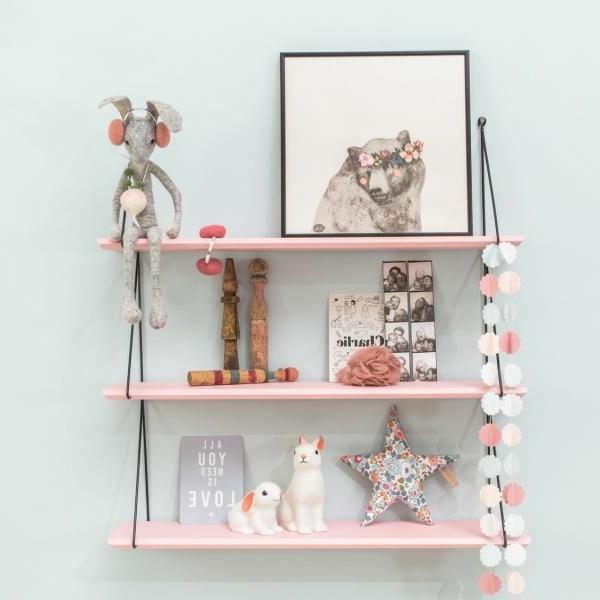 rose-mignon-etagere-denfant