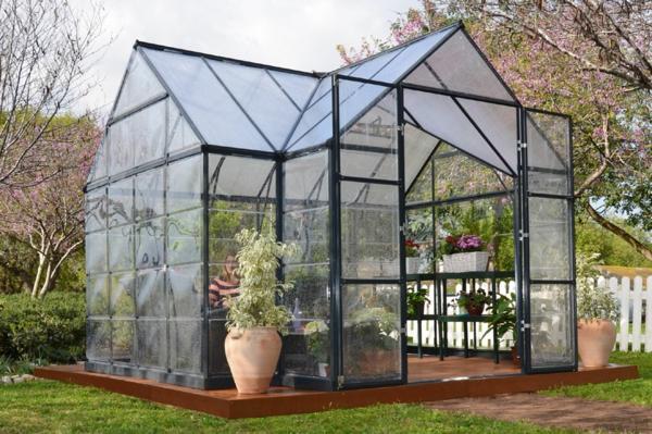 serre-de-jardin-en-polycarbonate-design-intéressant