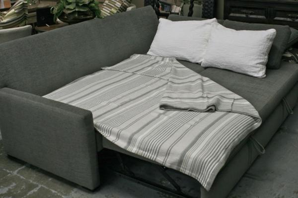 simple-canapé-en-gris