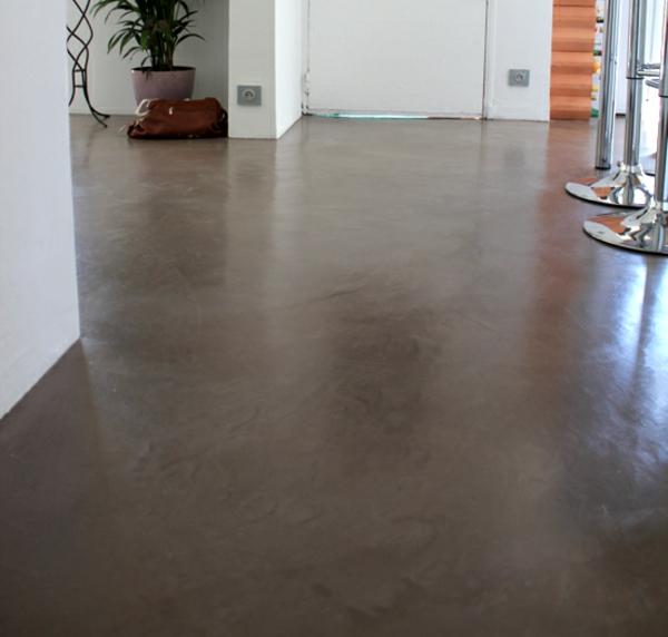sol-beton-cire-marron-detail