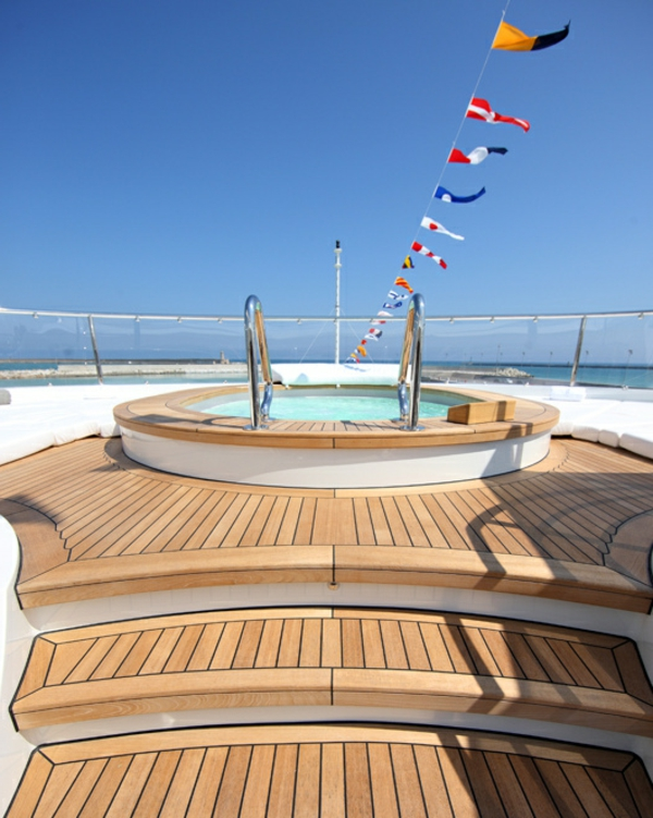 spa-piscine-sure-yacht