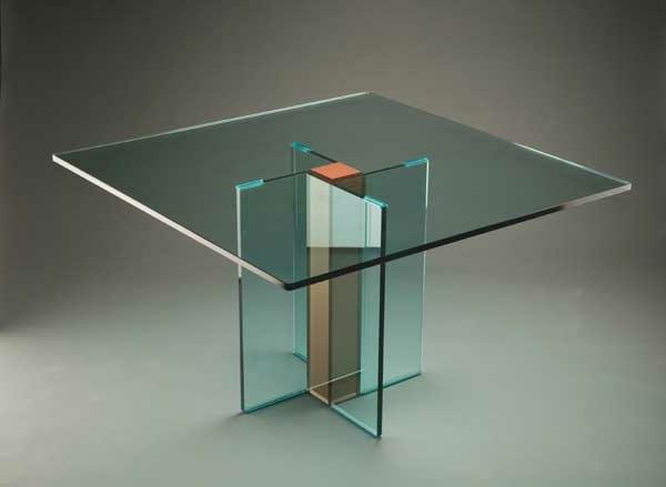 la table basse transparente designs cr atifs. Black Bedroom Furniture Sets. Home Design Ideas