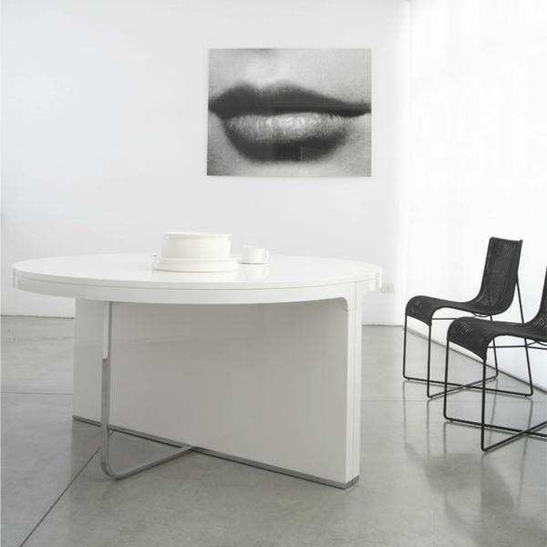table-ronde-extensible-un-intérieur-blanc-super-moderne