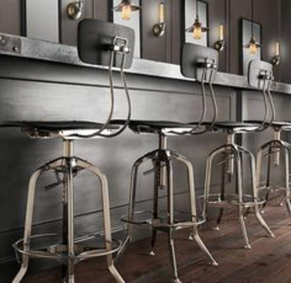 tabouret-de-bar-noir-métalique