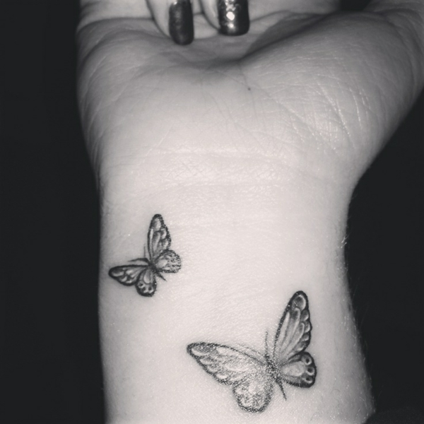 Tatouage poignet papillon quotes - Tatouage de papillon ...