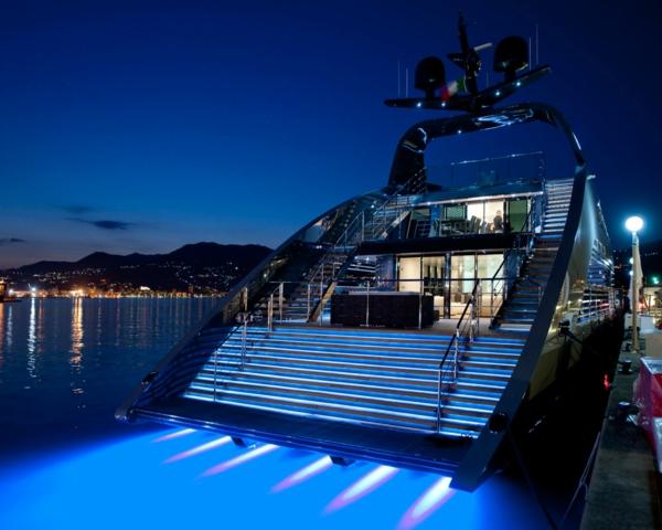 yacht-de-la-nuit