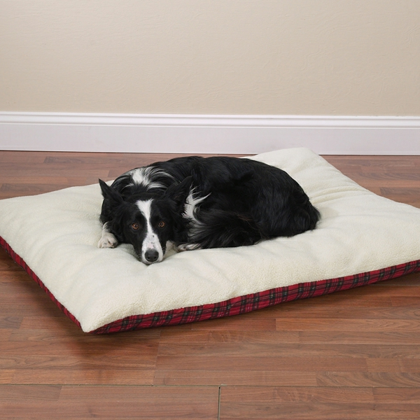 zack-zoey-plaid-pillow-dog-bed-with-berber-top-1-resized