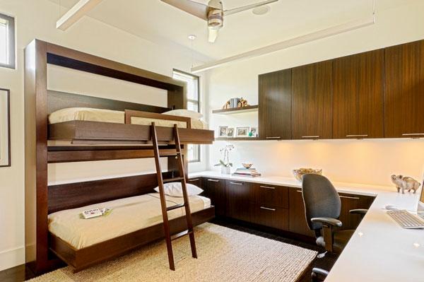 élégant-lit-mezzanine-et-bureau-dans-la-chambre