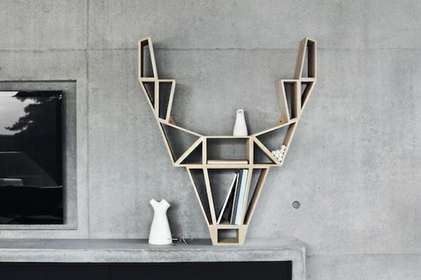 étagère-murale-design-un-cerf-géométrique