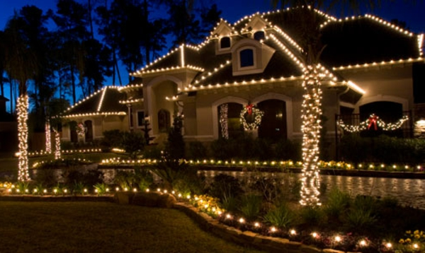 Christmas-House-Decoration-by-The-Perfect-Light-3-resized