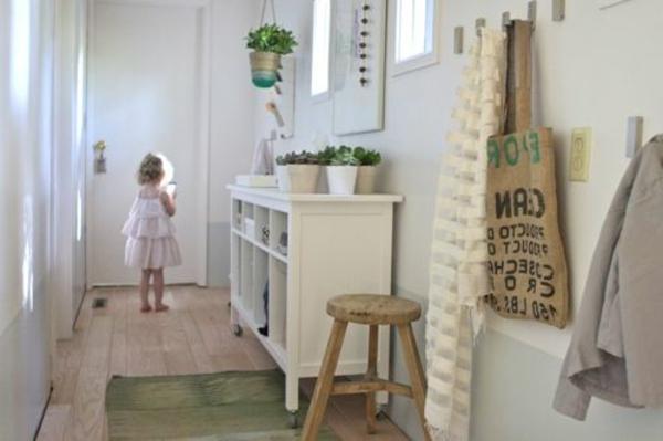 jolie-design-de-couloire-en-blanc-scandinave
