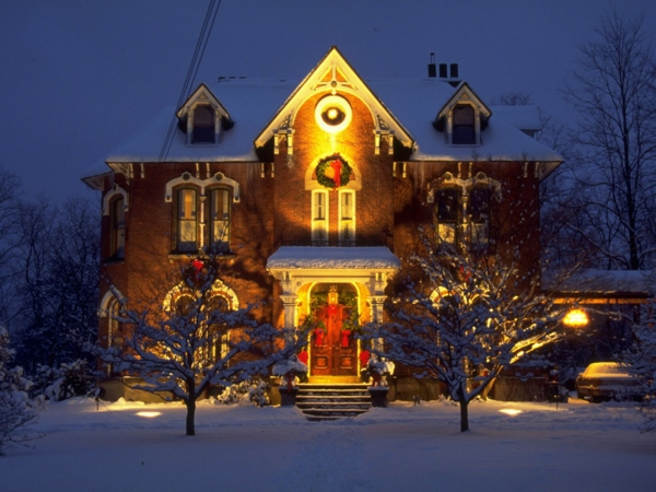 Outdoor-Christmas-Decorations-for-Sale-resized
