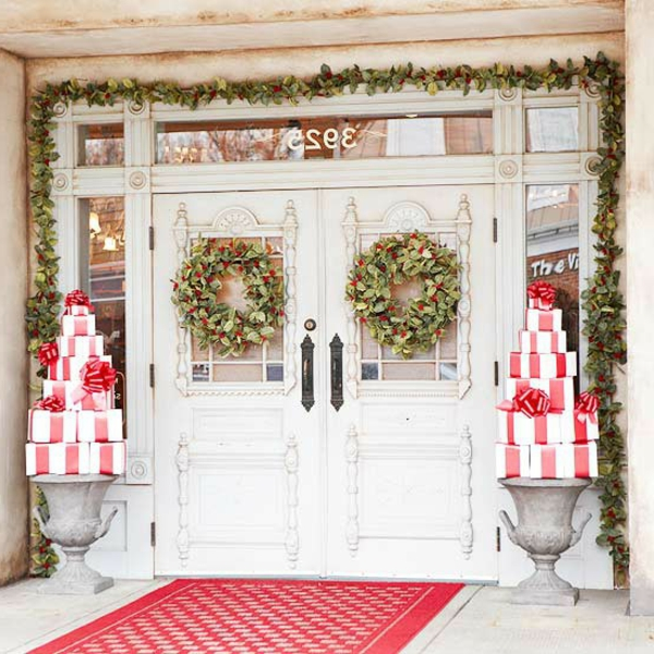 Outdoor-Christmas-Decorations-wrapped-resized
