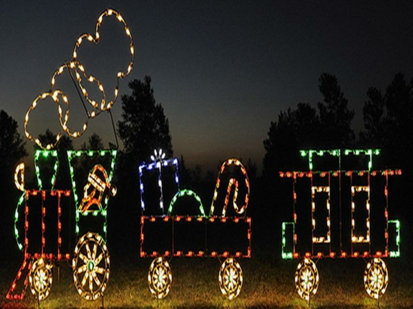 Train-Set-Outdoor-Lighted-Christmas-Decorations-resized