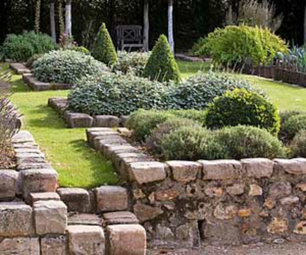 Diff rents bordures de jardin for Decoration de pierre pour jardin
