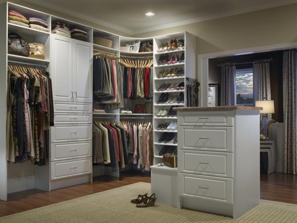 armoire-blanc-aménagement-de-placard