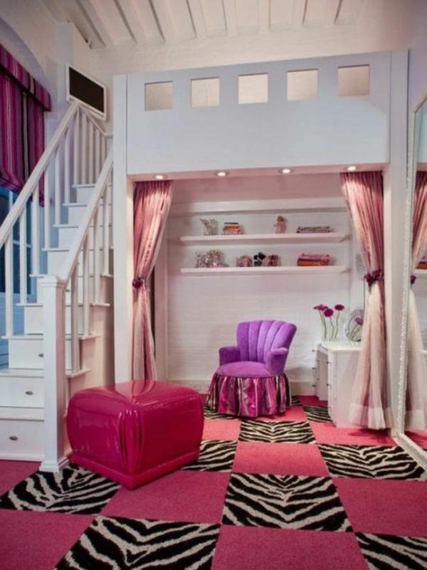 artistique-design-pour-un-lit-mezzanine-et-bureau-de-petite-princess