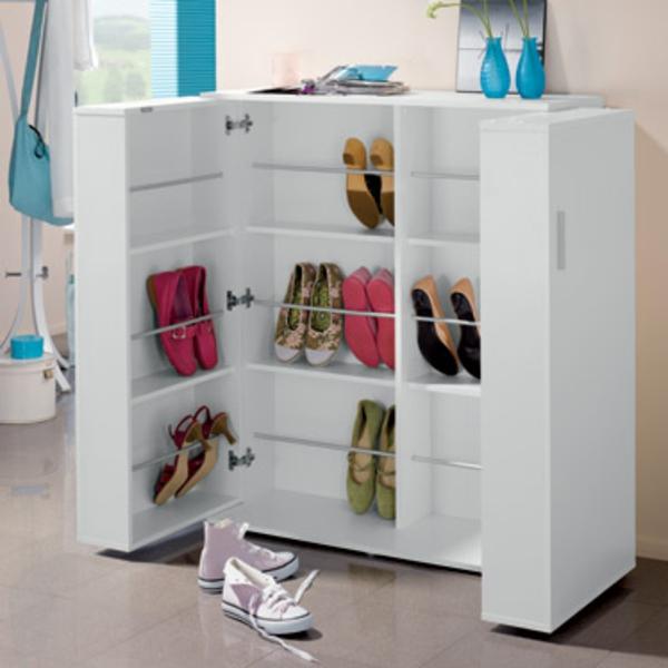 blanc-armoire-pour-beaucoup-des-chaussures