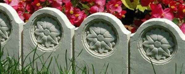 bordure-décoré-avec-des-fleurs