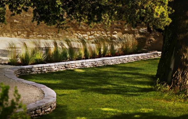 bordures-de-jardin-en-pierres