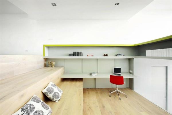bureau-suspendu-étagères-murales-et-un-bureau-moderne