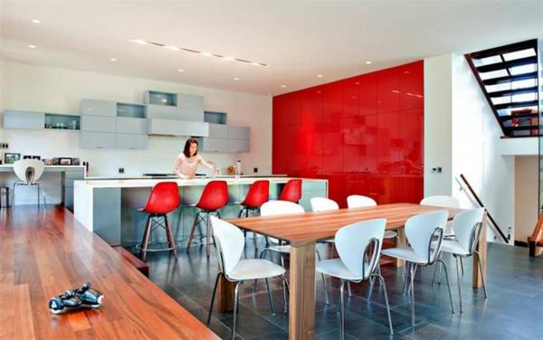 chaise-de-bar-rouge-salle-de-déjeuner-luxueuse