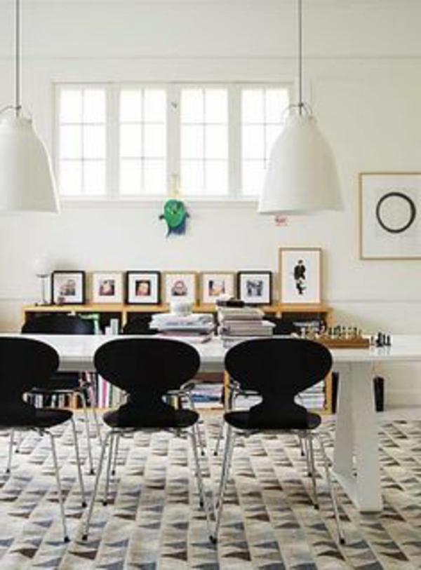 chaise-fourmi-chaises-et-lampes-pendantes