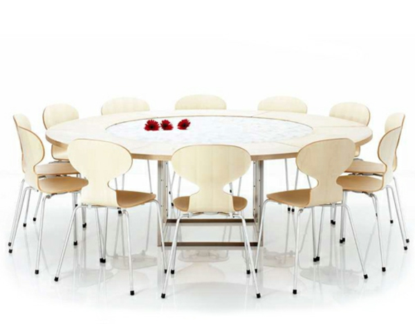 La chaise fourmi est un projet artistique intemporel for Quatre pieds quatre chaises