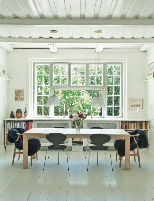 chaise-fourmi-salle-de-déjeuner