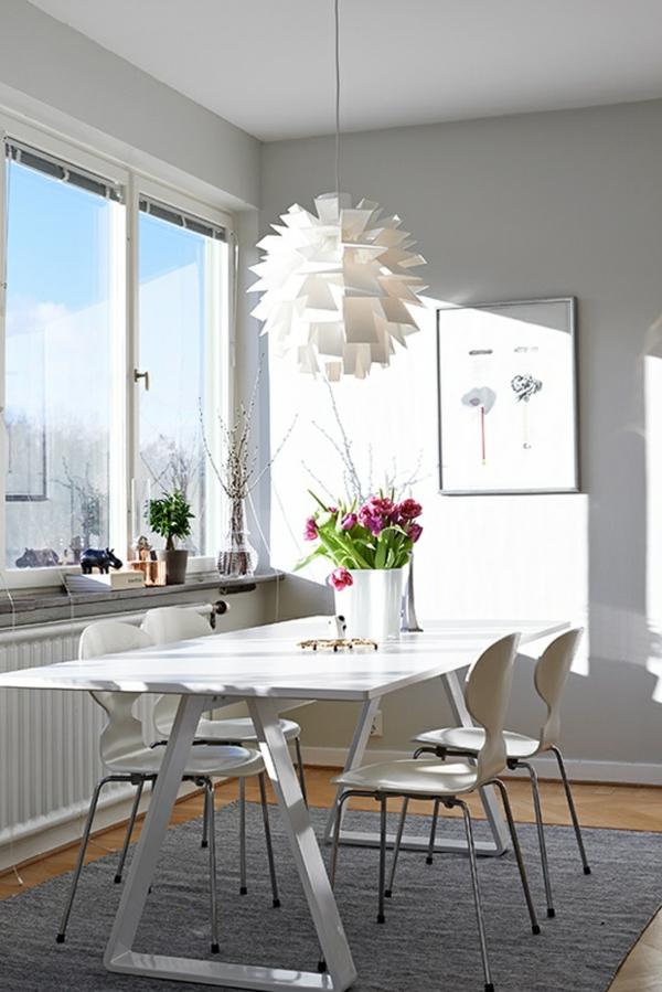 chaise-fourmi-salle-de-séjour-en-blanc