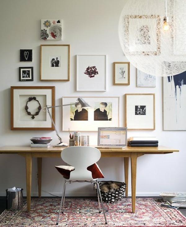 chaise-fourmi-une-chaise-fourmi-et-un-itérieur-artistique