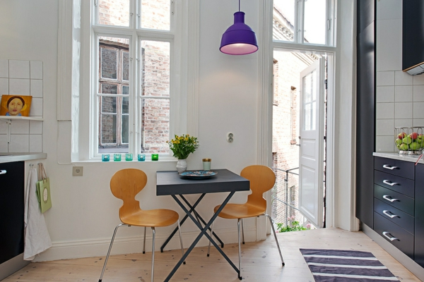 chaise-fourmi-une-cuisine-moderne