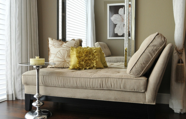 le indoor chaise lounge en beige. Black Bedroom Furniture Sets. Home Design Ideas