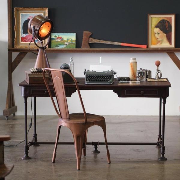 chaises-industrielles-intérieur-vintage