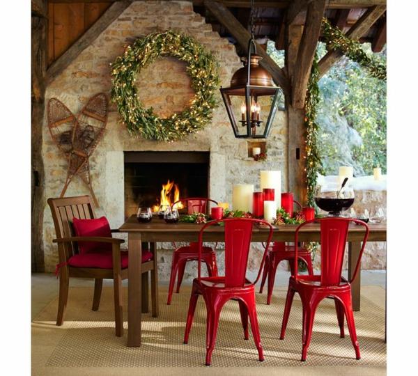 chaises-industrielles-rouges
